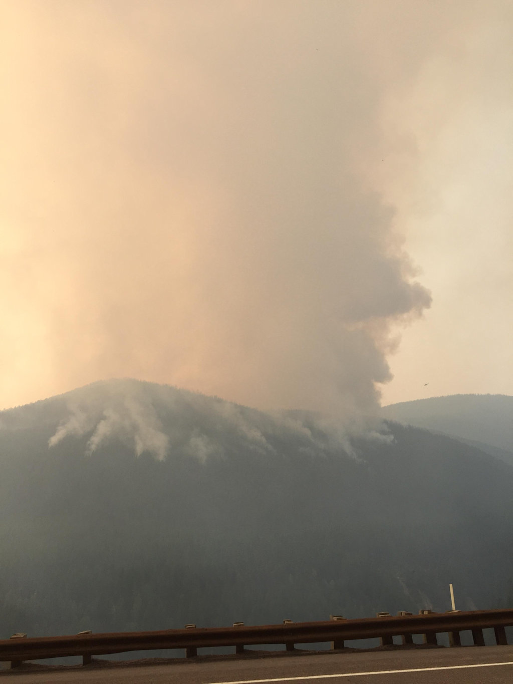 Sheep Fire burning late afternoon, Aug 27, 2015