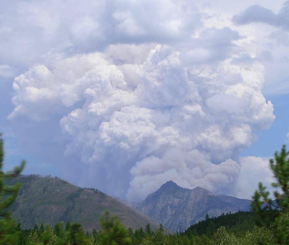 Smoke plume from Thompson Fire August 9, 2015 - Rachel Jenkins photo