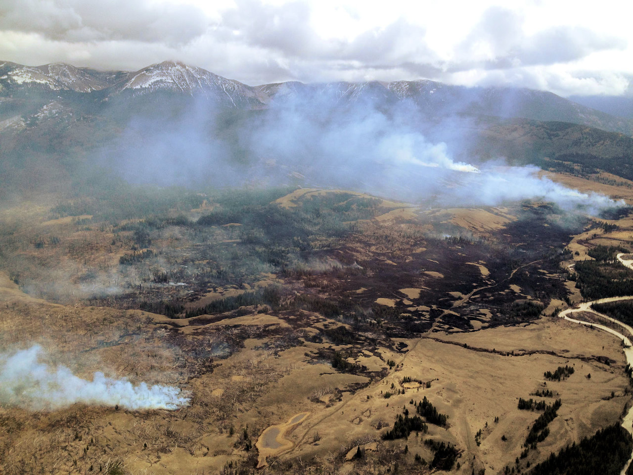 Elk Hill Fire, aerial view. April 10, 2016 - USFS photo